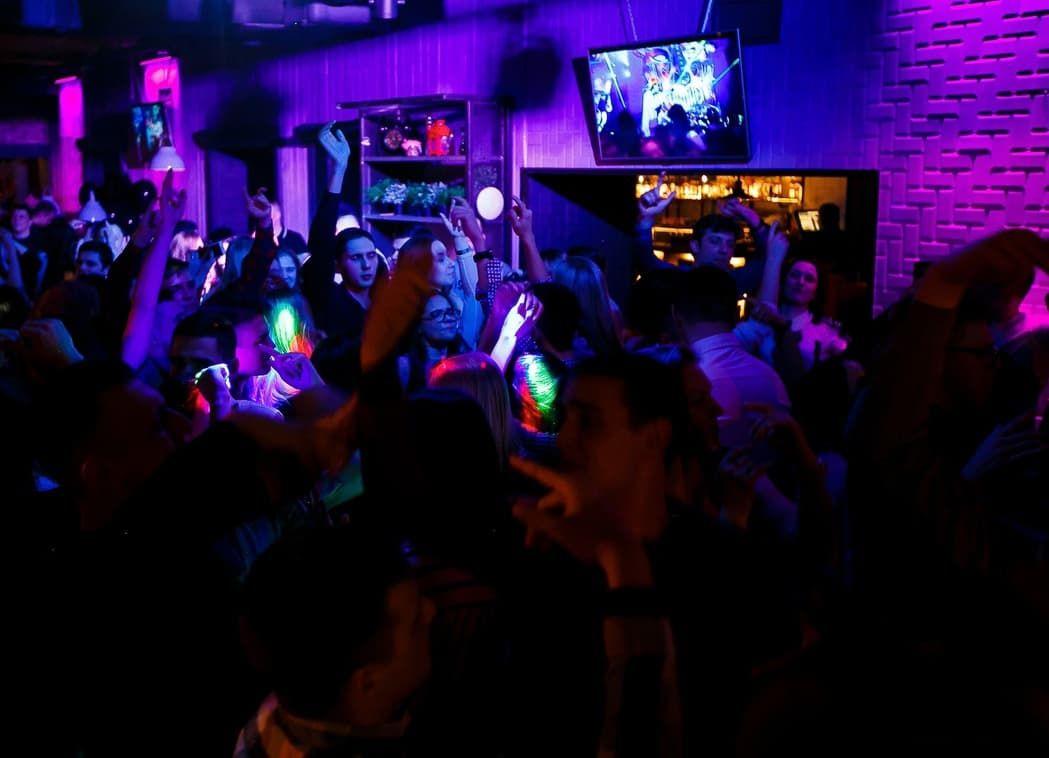 Ночной клуб все хорошо санкт петербург сексуальный клуб москва