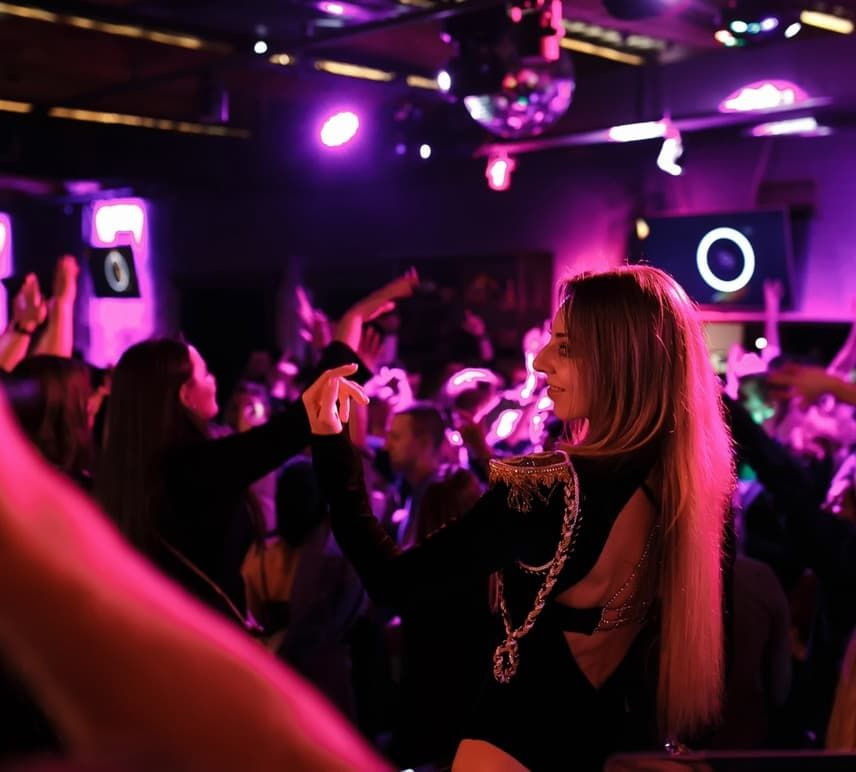 Ночной клуб хорошо сайт фитнес клуб в москве акции